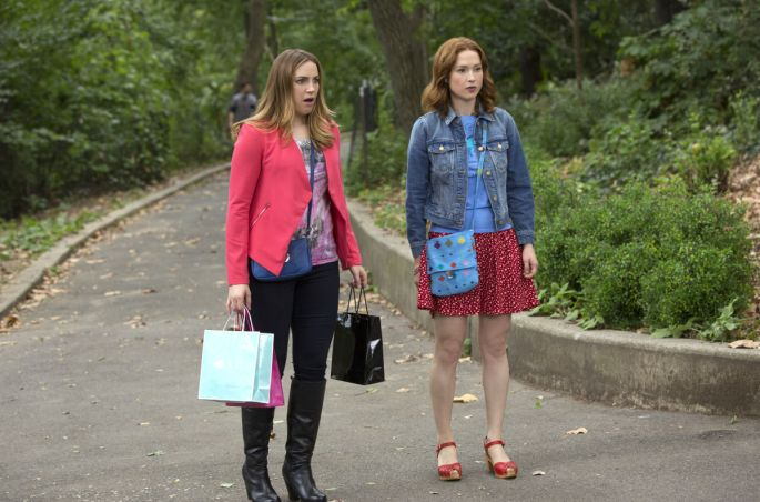 Unbreakable Kimmy Schmidt fashion - Kimmy Kisses a Boy red skirt denim jacket